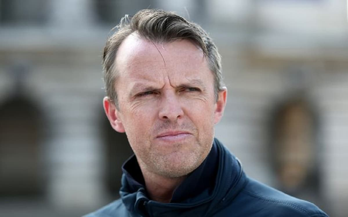 graeme swann Made Statement about england team, World's bestest team will made by defeating India