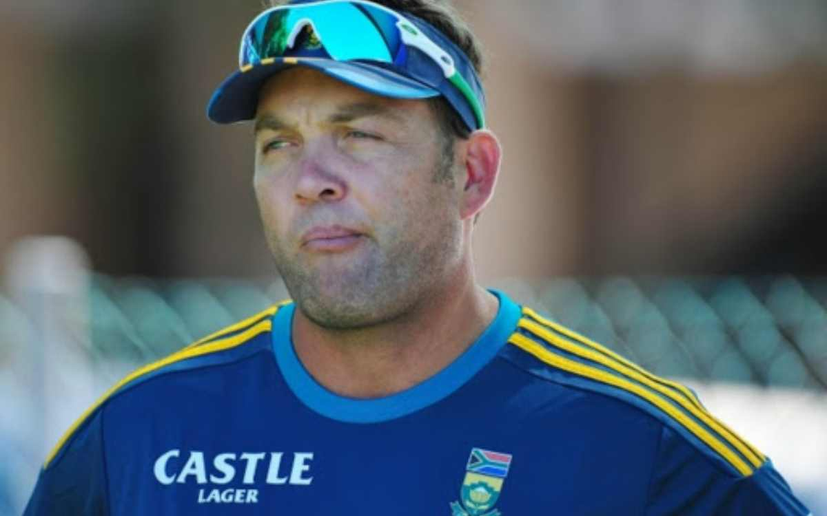 jacques kallis revealed that he was not allowed to coach south africa beacause of races and castes