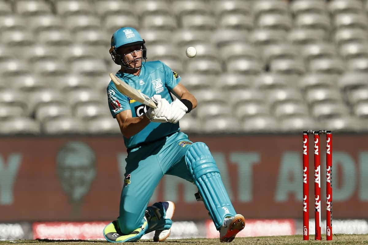 Cricket Image for Labuschagne, Lynn Help Brisbane Heat Score Against Melbourne Renegades