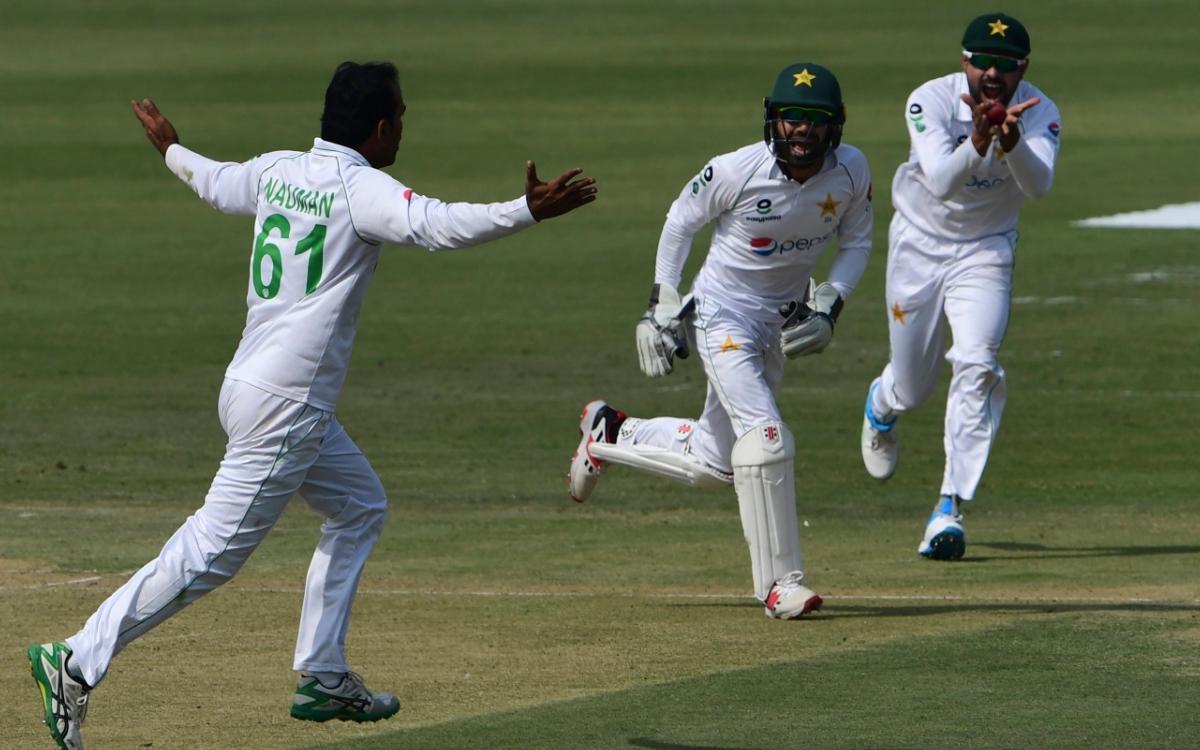 Cricket Image for पाकिस्तान के बूढ़े गेंदबाज़ ने ढ़ाया अफ्रीकी बल्लेबाज़ों पर कहर, अपने डेब्यू टेस्ट