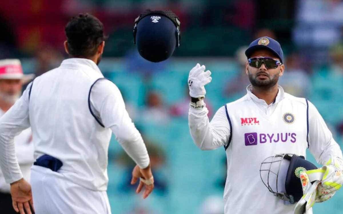 Cricket Image for VIDEO : 'स्पाइडरमैन, स्पाइडरमैन तूने चुराया मेरे दिल का चैन', जब ऋषभ पंत ने गाया स