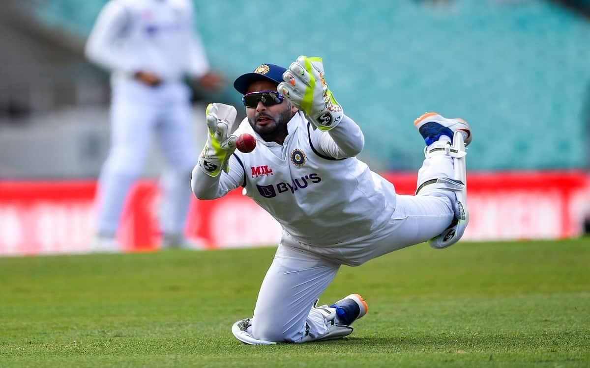 Image of Cricket Veteran Players Criticize Rishabh Pant