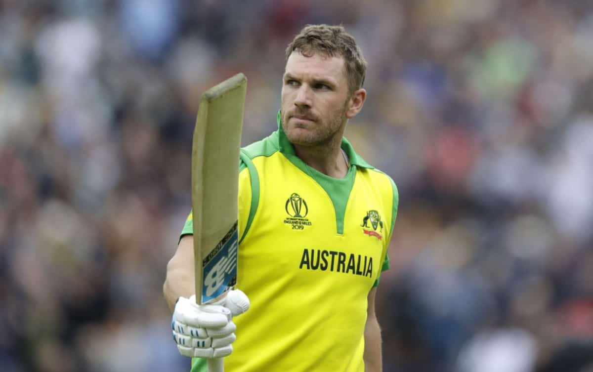 Cricket Image for माइकल क्लार्क ने कहा,विश्वास नहीं हो रहा कि ऑस्ट्रेलियाई टी-20 कप्तान एरॉन फिंच को