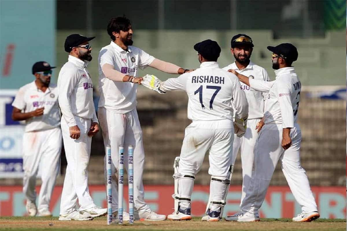 IND vs ENG: Ishant Sharma completes 300 wicket in test Cricket