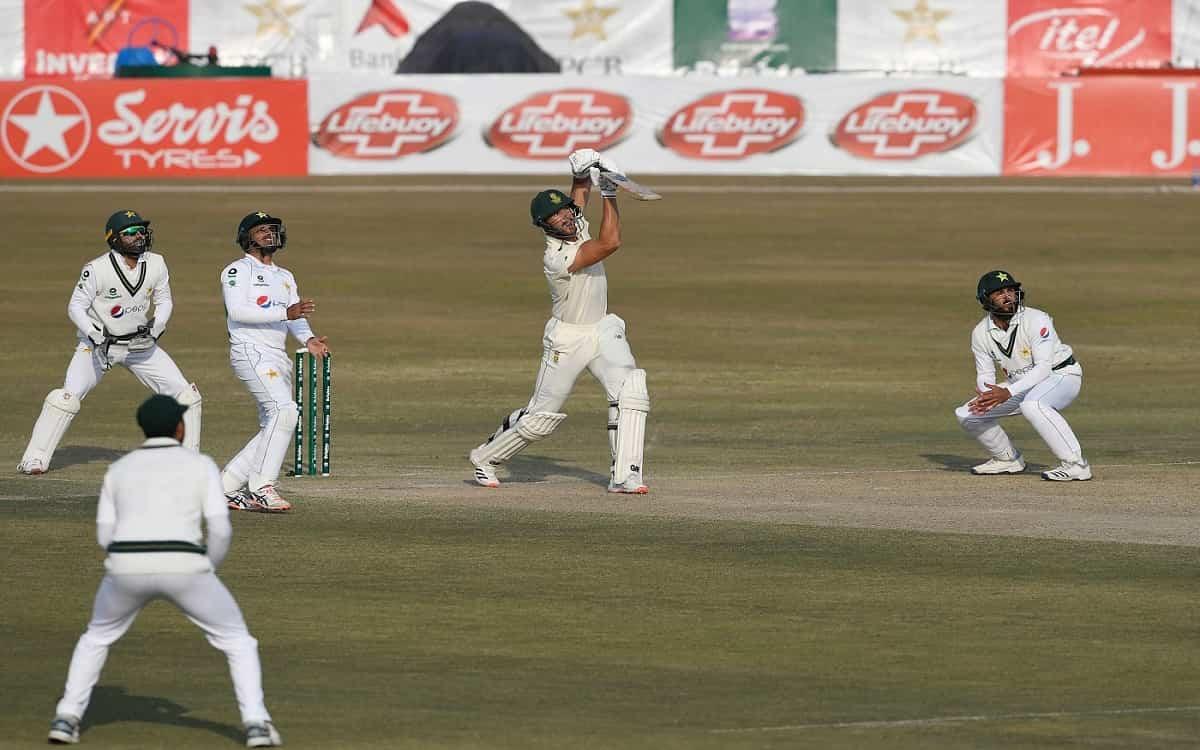 Cricket Image for PAK vs SA: दक्षिण अफ्रीका को रावलपिंडी टेस्ट में पाकिस्तान ने दिया 370 रनों का टार