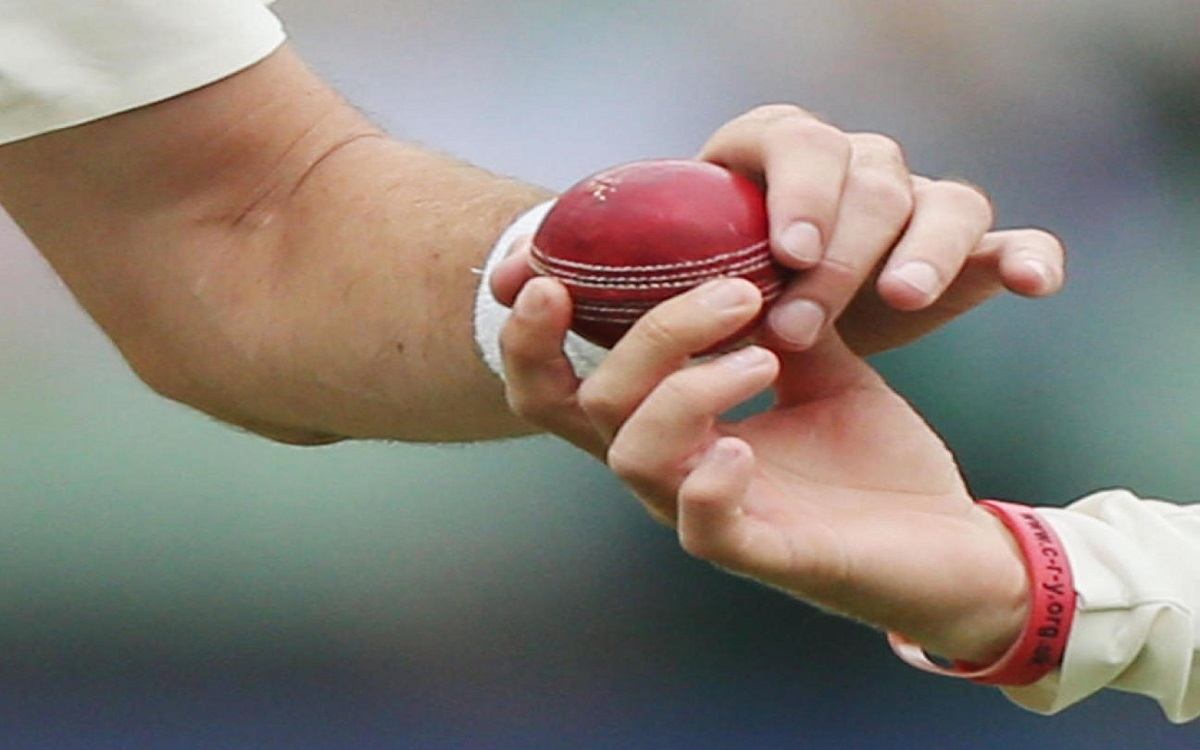 Cricket Image for IND vs ENG: BCCI Asks Ball Makers To Recheck Quality, SG Promises Improvement