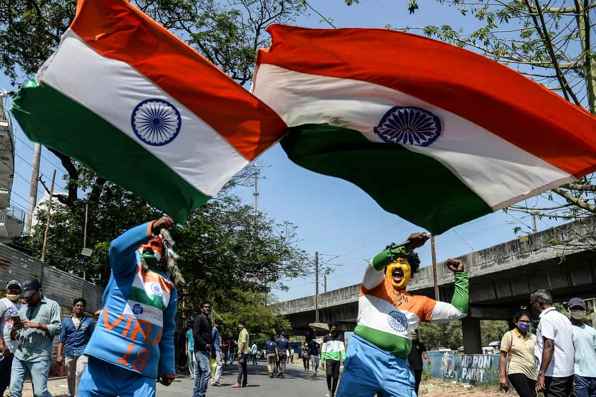 Cricket Image for Excited Indian Fans Stream Into World's Biggest Cricket Stadium