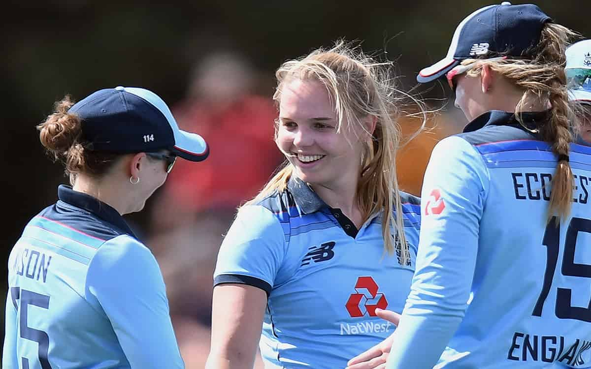 Cricket Image for Nz Vs Eng Englands Womens Team Defeated New Zealand By 8 Wickets