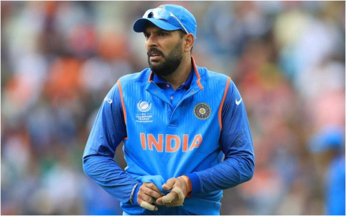 Cricket Image for 'कितनी इज्जत कमाई थी तूने लेकिन अब क्यों गंवा रहा है', पिच की आलोचना करने पर युवरा