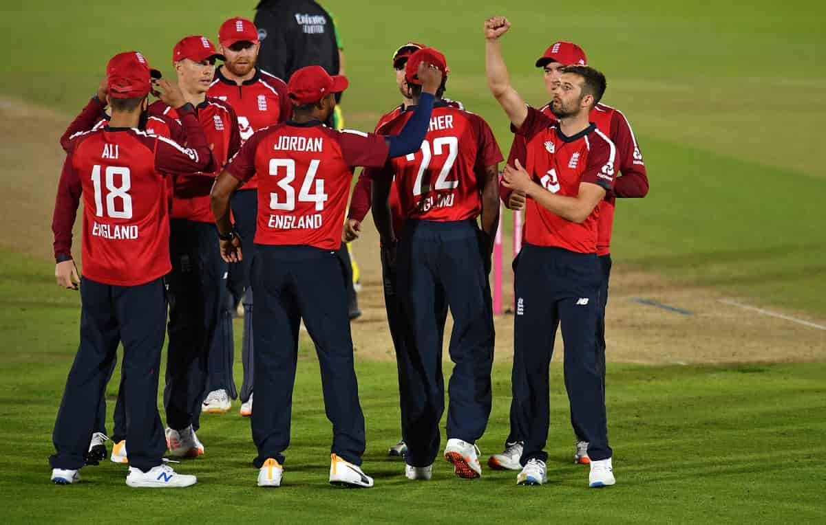 Cricket Image for एशले जाइल्स का बड़ा बयान, बोले आईपीएल के कारण टी-20 में नंबर-1 बनी इंग्लैंड