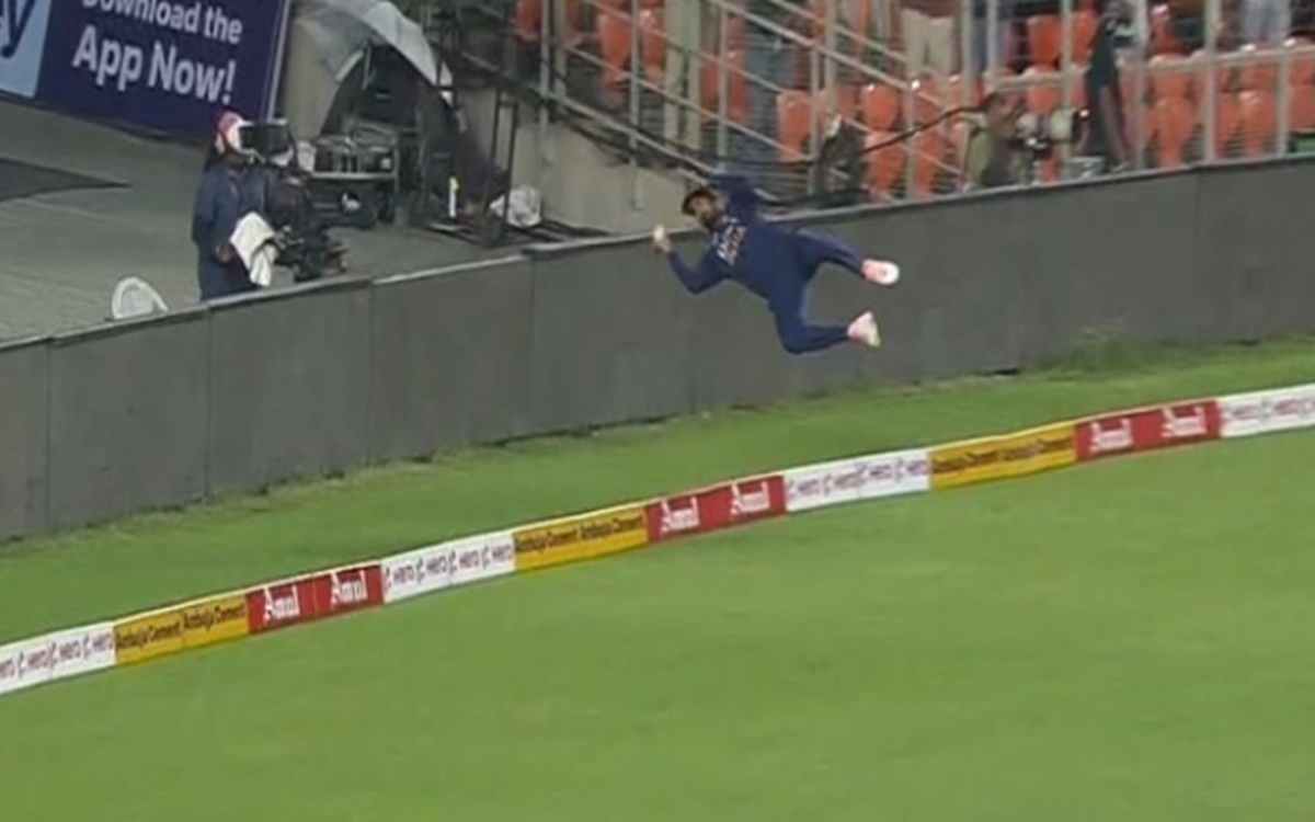 Cricket Image for  Kl Rahul Brilliant Effort To Save Boundary Watch Video