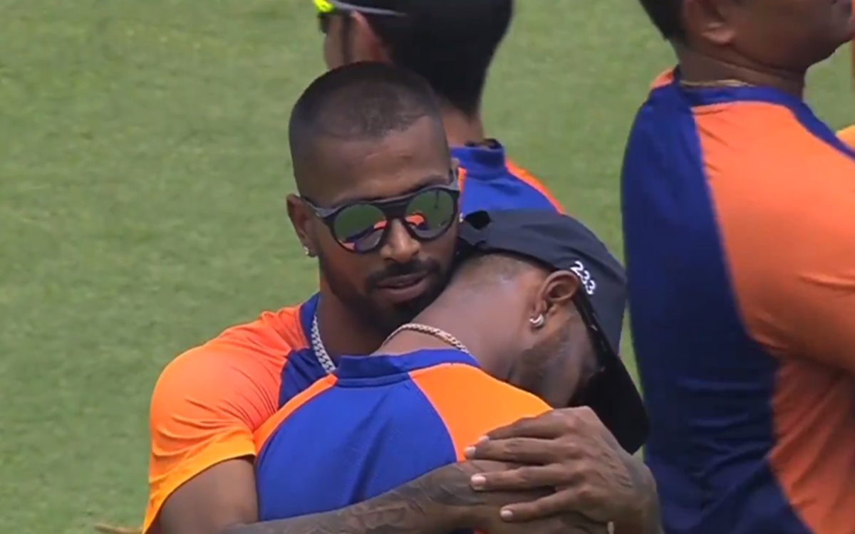 Cricket Image for Krunal Pandya Gets Emotional After He Got The India Odi Cap From His Brother Hardi