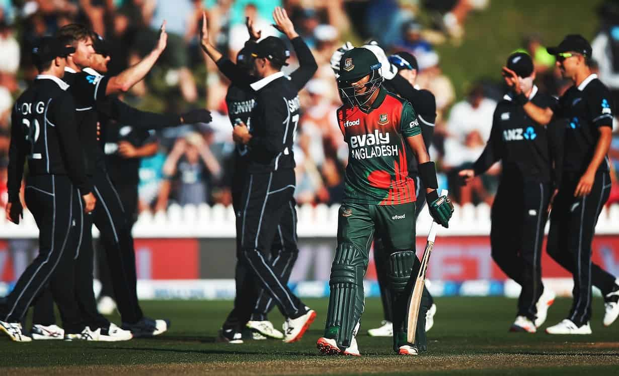 New Zealand beat Bangladesh by 164 runs in third ODI and won the series 3-0