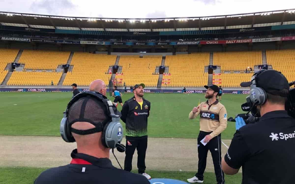 australia opt to bat first against new zealand in fourth t20i