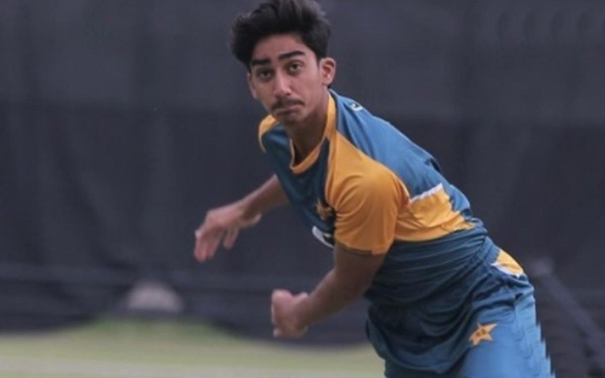 Cricket Image for Pakistan Bowler Faisal Akram Says His Dream Is To Dismiss Virat Kohli