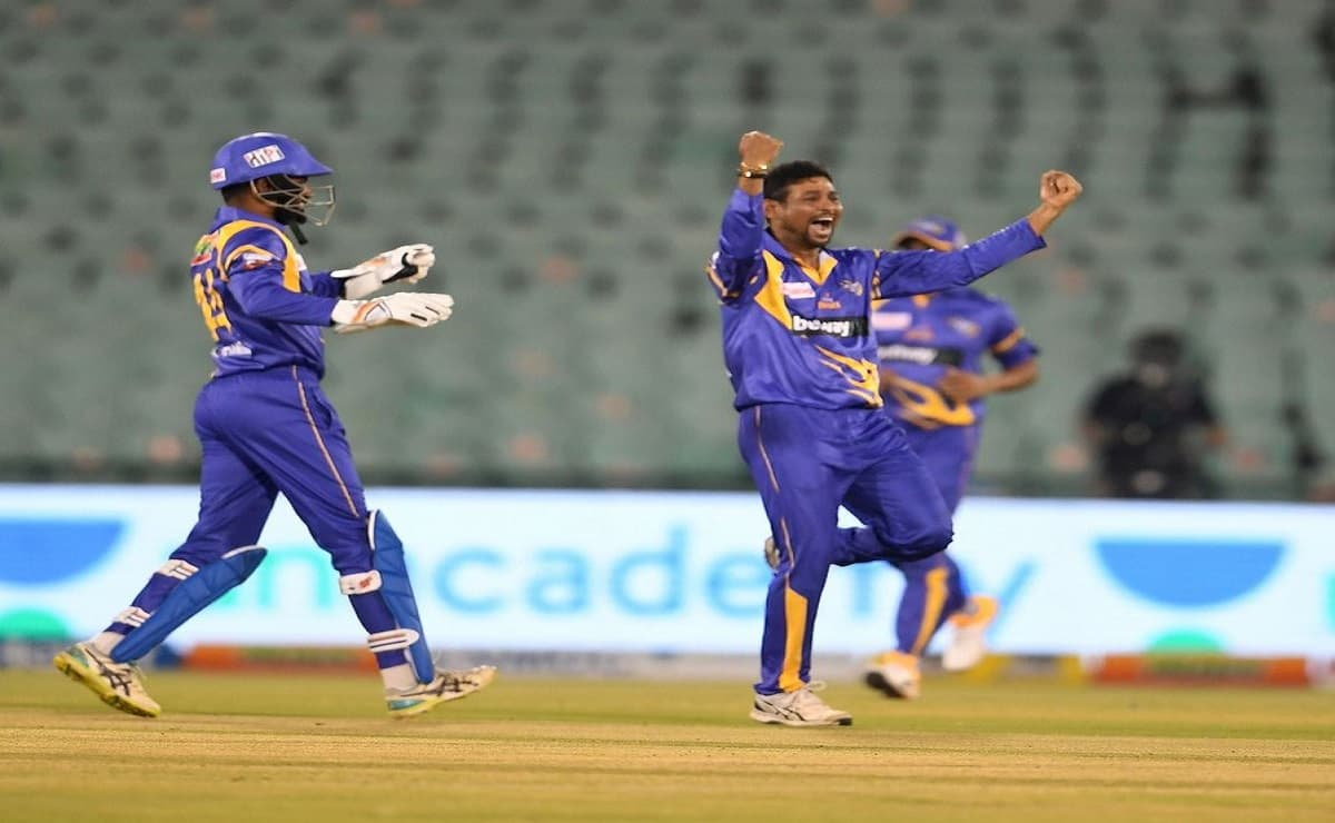 Road Safety Series Dilshan confident of beating India legends in finals