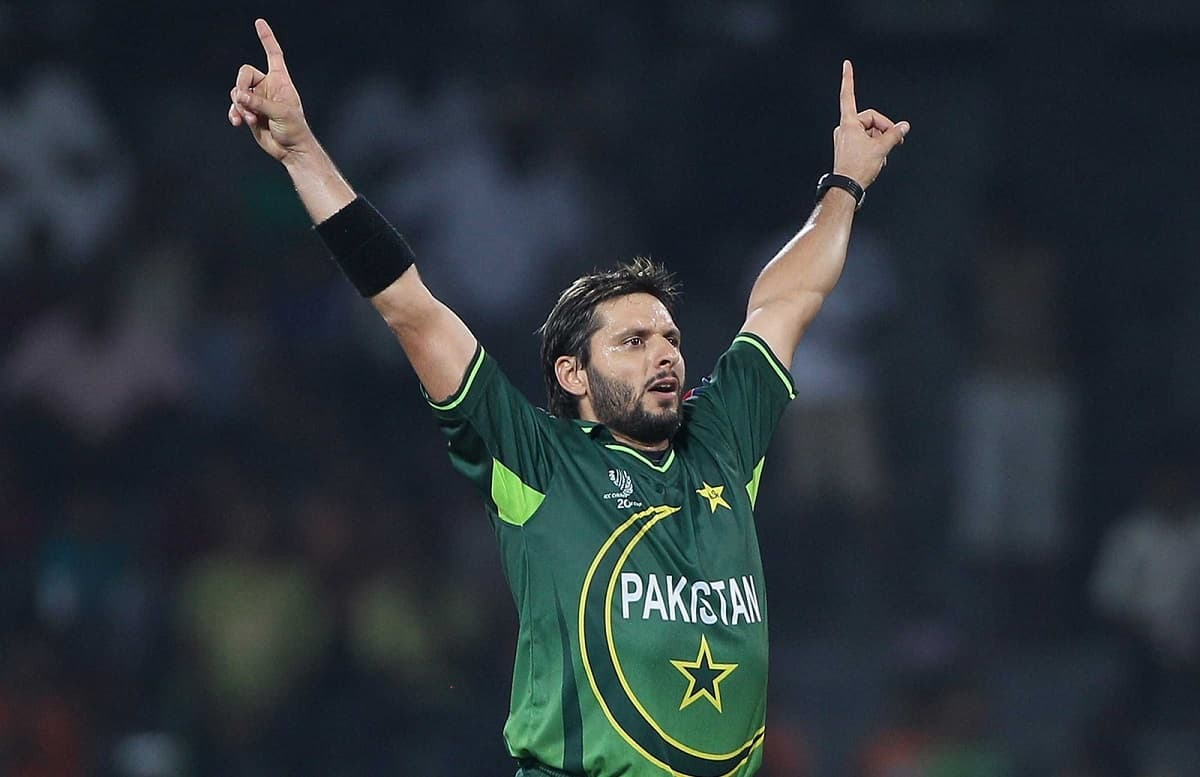 Shahid Afridi World record in danger as he reveals his original birth date