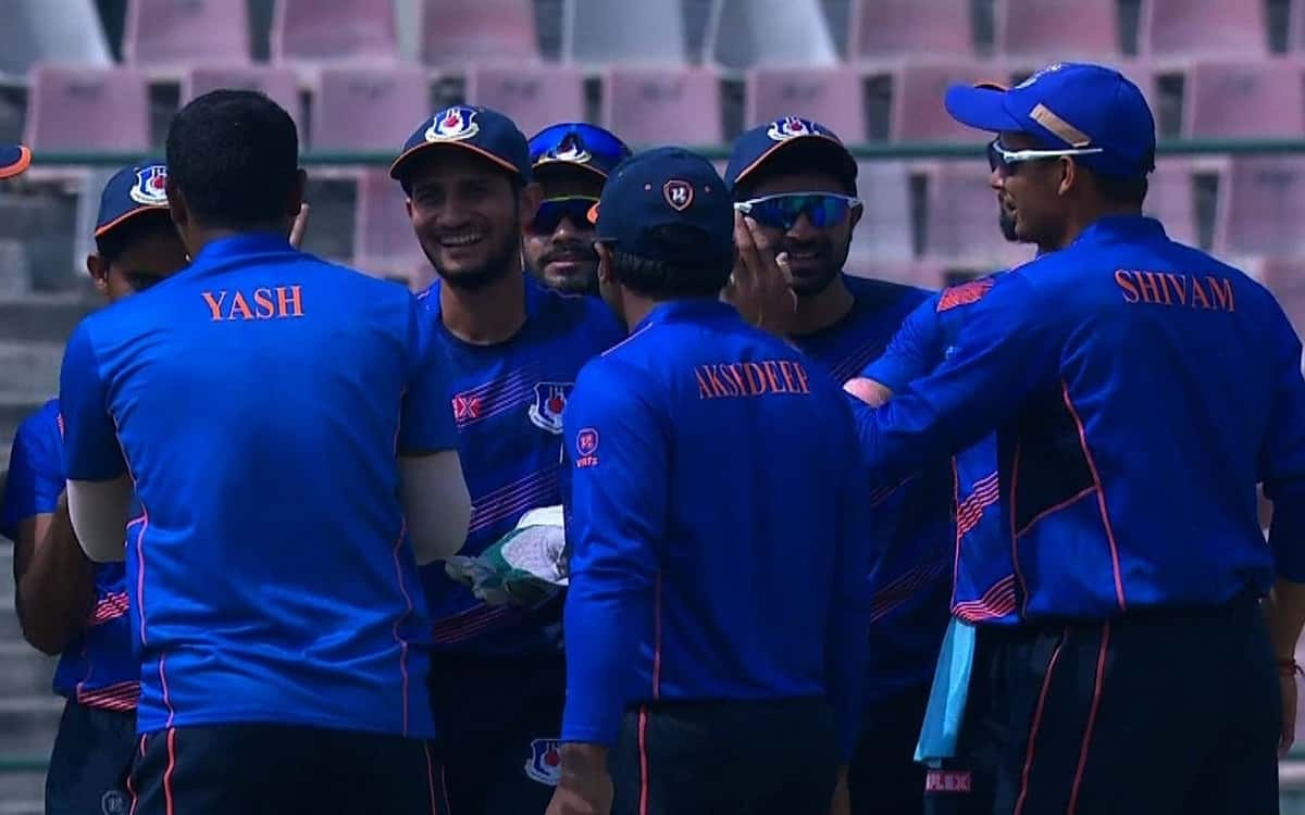 Cricket Image for  Mumbai Clash With Uttar Pradesh For The Final Trophy At Vijay Hazare Trophy