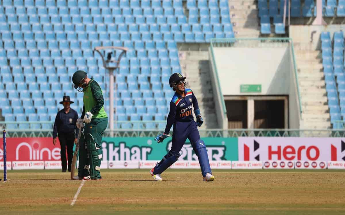 Indian women's team won the toss in the third T20 match against South Africa and decided to bowl