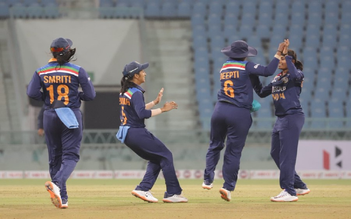 Cricket Image for South Africa Ineffective In Front Of Indian Women's Bowling Prevented Guest For 11