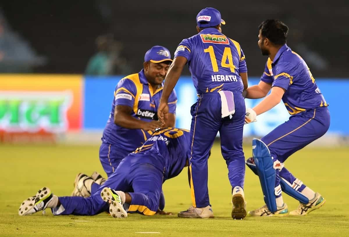 Cricket Image for Sri Lanka Beat South Africa To Meet India In Road Safety World Series Final