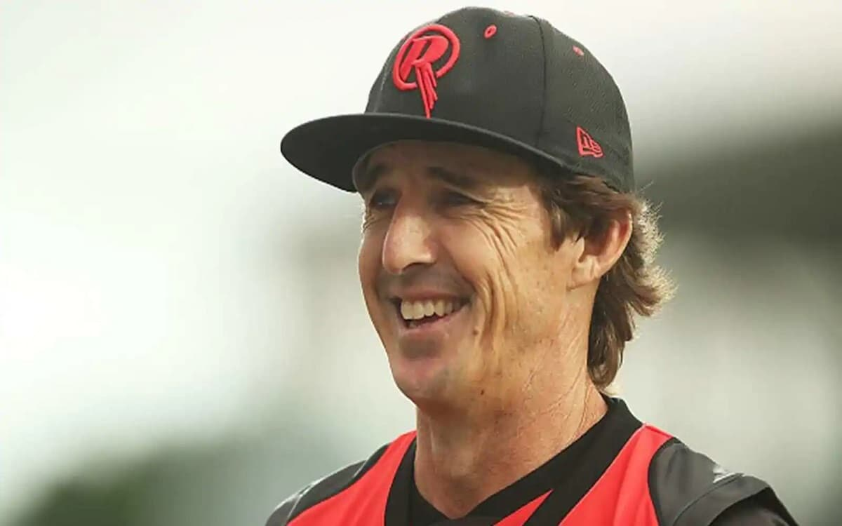 Cricket Image for Brad Hoggs Answer To Fans Question That Ashwins Playing In One Day Cricket