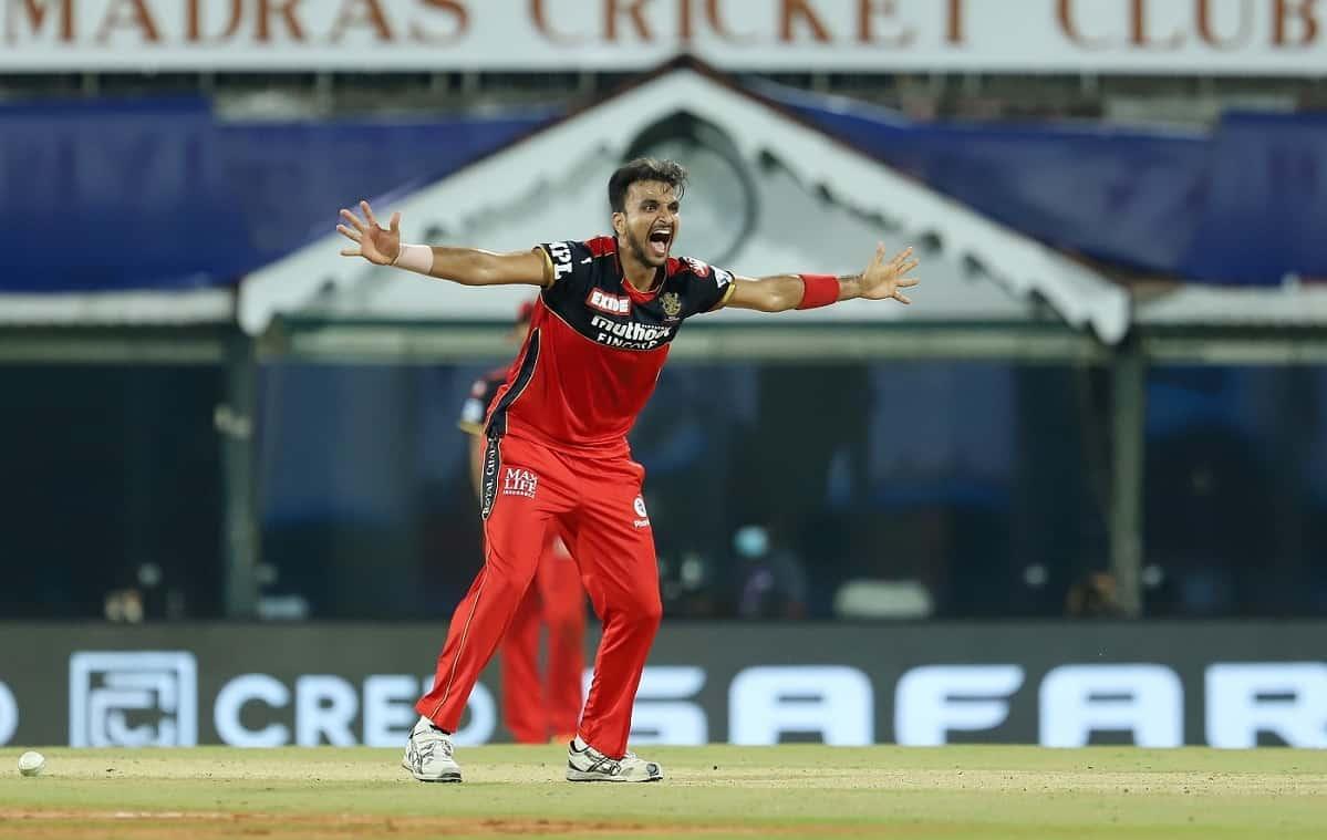 Cricket Image for हर्षल पटेल ने बनाया अनोखा रिकॉर्ड, IPL के 14 साल के इतिहास में कोई गेंदबाज नहीं पा