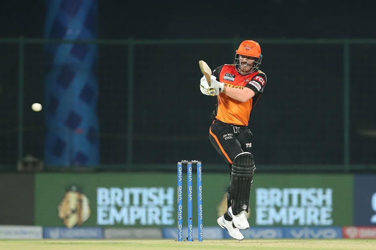 IPL 2021 - David Warner becomes 4th Batsmen to score 10,000 runs in t20 cricket