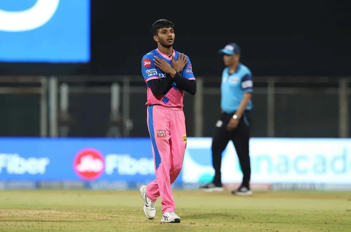 IPL 2021: Rajasthan Royals gift a jersey to Chetan Sakariya with his late brother's name on back