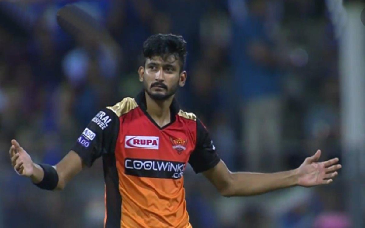 Cricket Image for Khaleel Ahmed Reacts To Pakistani Fan Question Related To Babar Azam