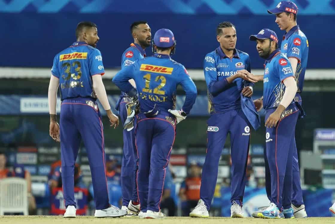 mumbai indians beat kkr by 10 runs