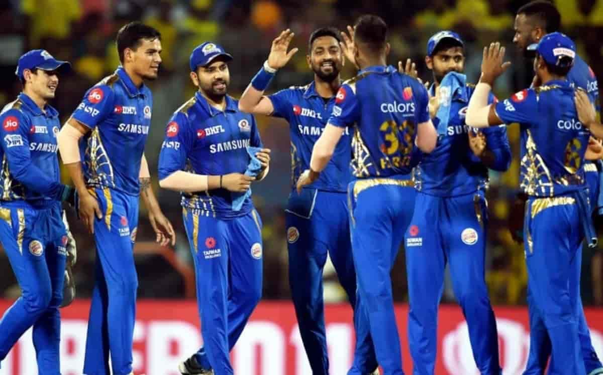 Cricket Image for क्विटन डी कॉक या क्रिस लिन, किसे मिलेगी मुंबई इंडियंस के प्लेइंग XI में जगह,जहीर ख