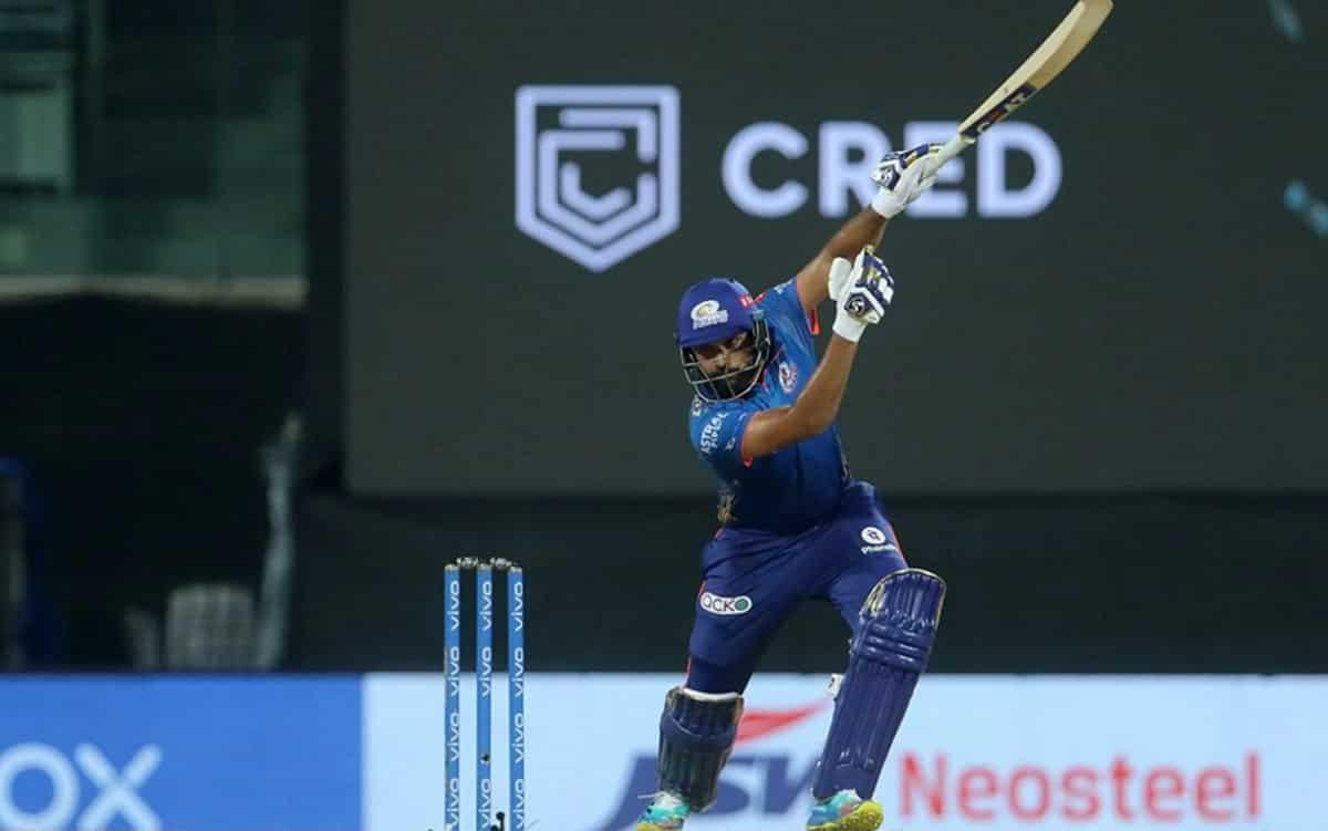 Cricket Image for रोहित शर्मा ने अश्विन की गेंद पर 1 हाथ से छक्का जड़कर रचा इतिहास, तोड़ा क्रिस गेल