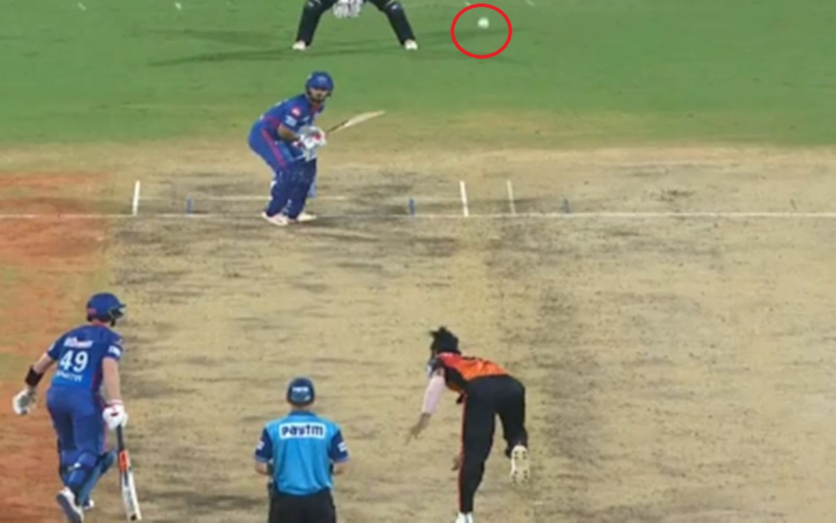 Cricket Image for Srh Vs Dc Ipl 2021 Vijay Shankar Surprises Delivery To Rishabh Pant