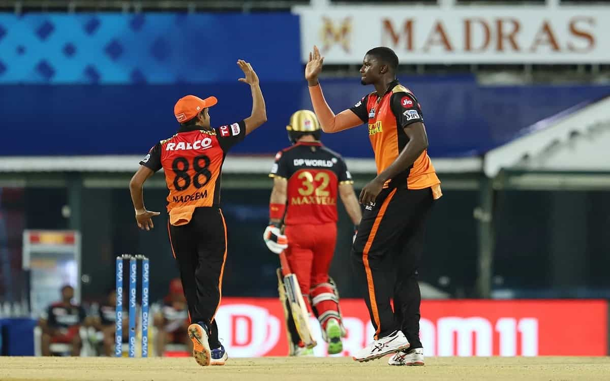 Cricket Image for Sunrisers Hyderabad Stopped Bangalore At 1498 With Superb Bowling