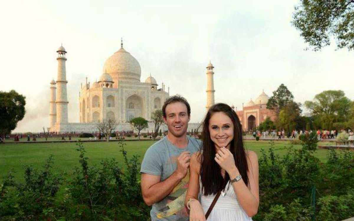 Cricket Image for डी विलियर्स की पत्नी ने पहली बार खुद किया खुलासा, कहा- 'एबी ने मुझे ताजमहल में किय