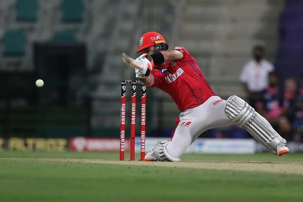 Cricket Image for Experienced Maxwell Fits Well In RCB's Middle-Order - Mike Hesson