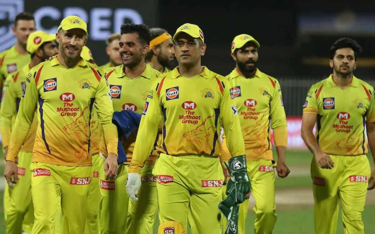 Cricket Image for IPL 2021 : धमाकेदार जीत के बाद आई CSK के लिए बुरी खबर, खुशी का माहौल हुआ ग़मगीन