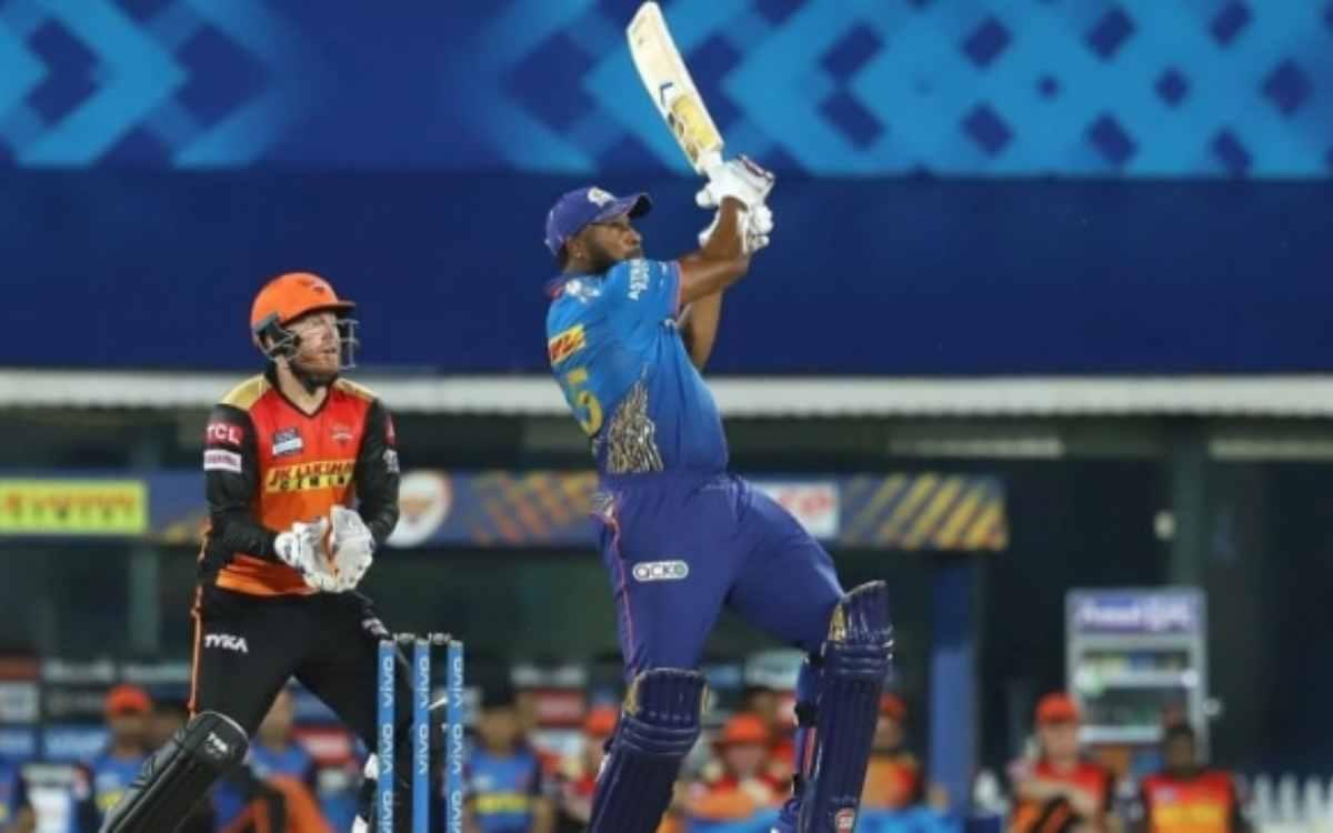 Cricket Image for VIDEO : पोलार्ड ने लगाया IPL 2021 का सबसे लंबा छक्का, 105 मी का सिक्स देखकर डगआउट