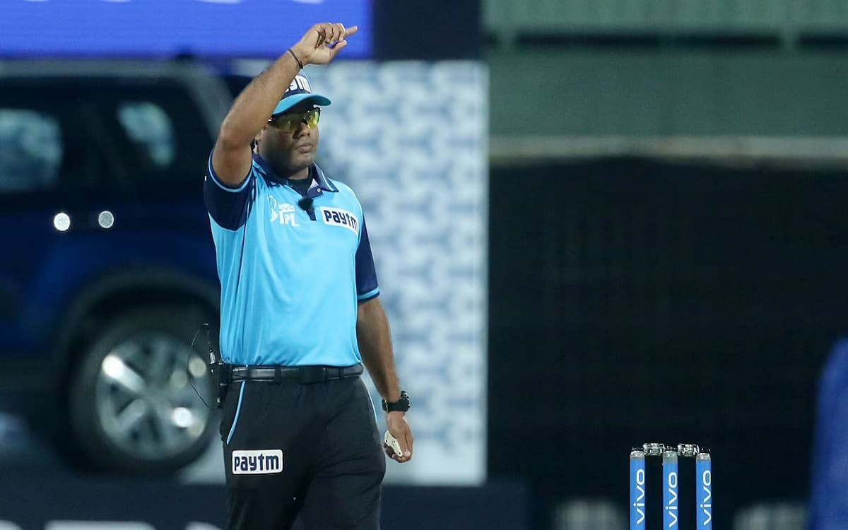 Umpire Nitin Menon decides to withdraw from IPL 2021 for his family battling Corona