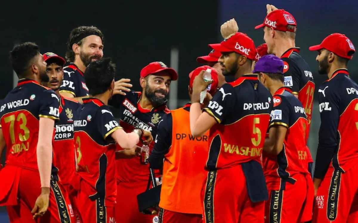 Cricket Image for विराट कोहली की टीम को लगा डबल झटका, कोरोनावायरस के चलते RCB के दो खिलाड़ी लौटेंगे