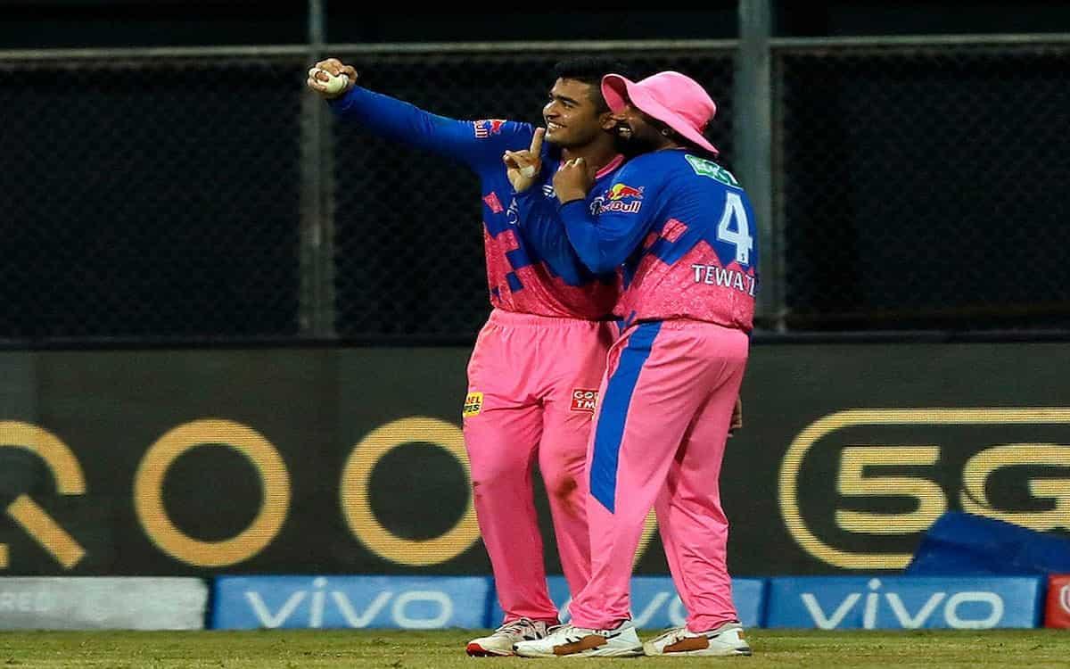 Cricket Image for IPL 2021: Riyan Parag-Rahul Tewatia 'Selfie Celebration' Takes Twitter By Storm