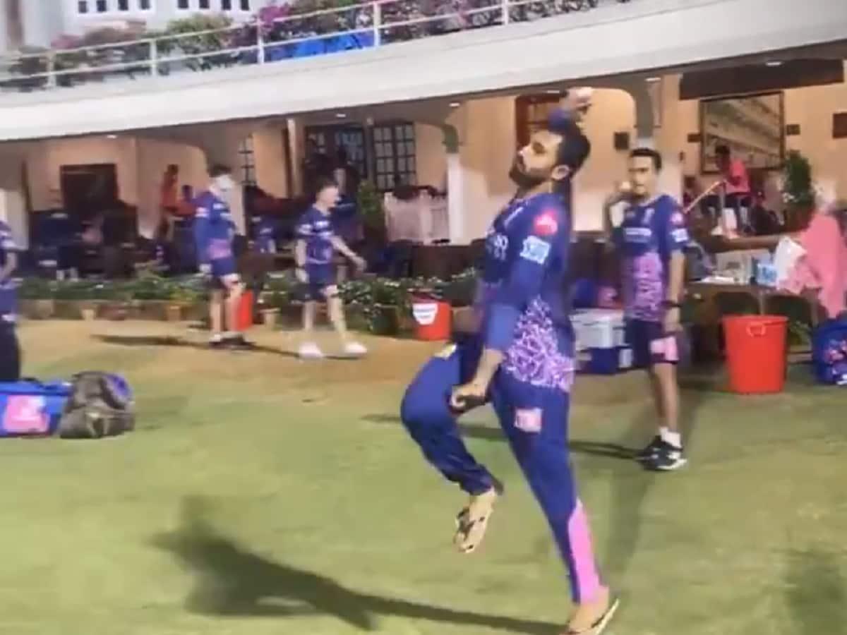 Cricket Image for Video: Shreyas Gopal 'Imitates Jasprit Bumrah's Bowling Action Better Than The Bow
