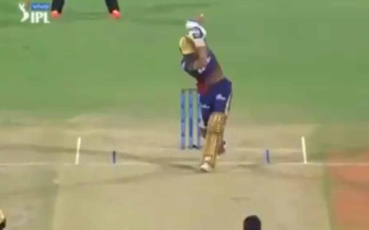 Cricket Image for VIDEO : नटराजन की गेंद पर शुभमन ने लगाया 'नो लुक सिक्स', छक्का देखकर कप्तान वॉर्नर
