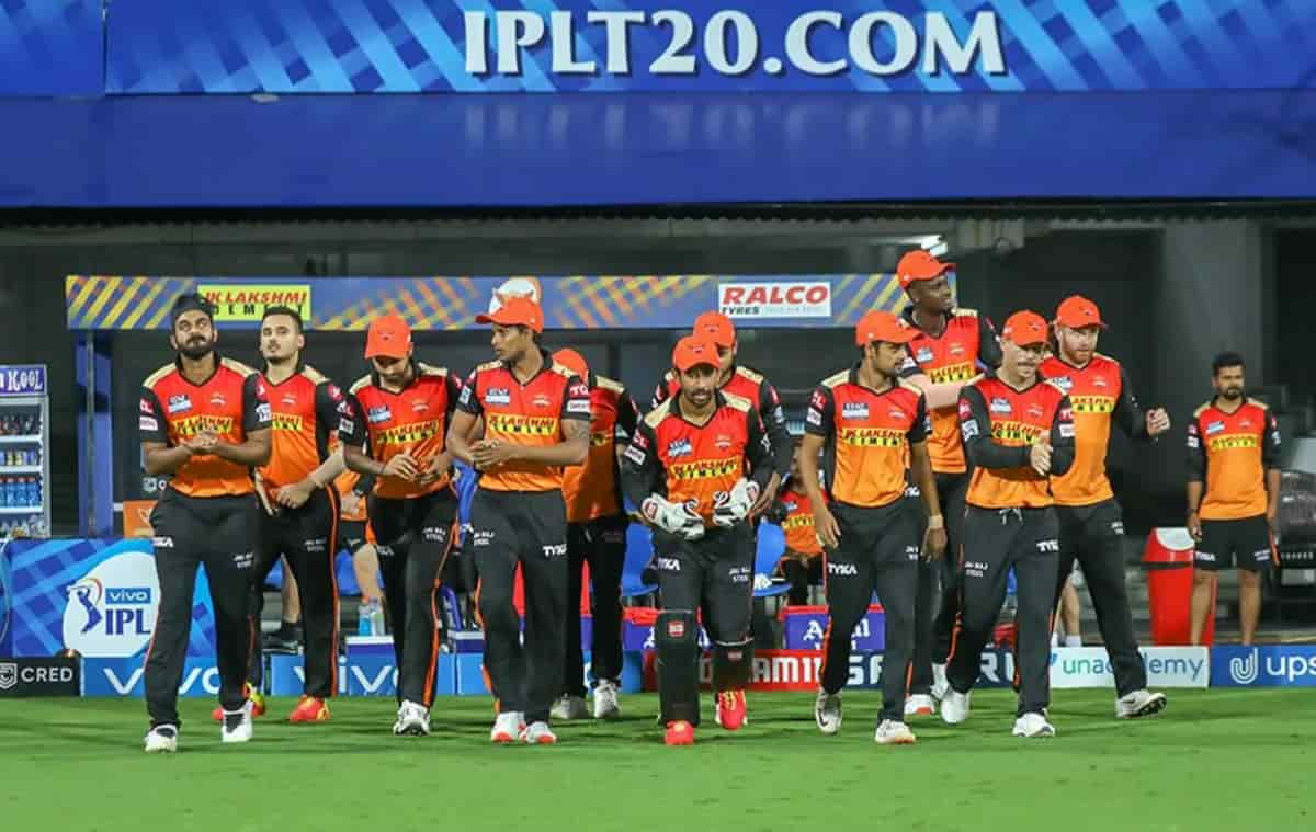 sunrisers hyderabad playing 11 for today's match against mumbai indians