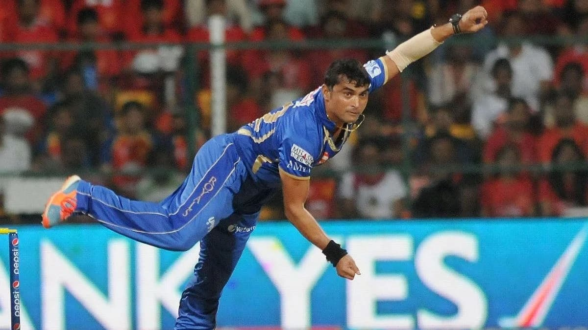 When Pravin Tambe Recorded A Two Ball Hattrick In IPL