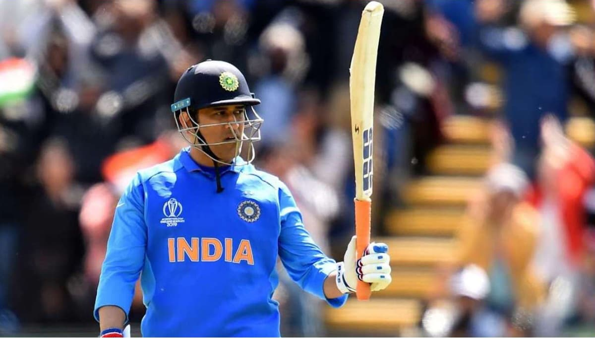 5 Indian Cricketers who became rich after joining Cricket