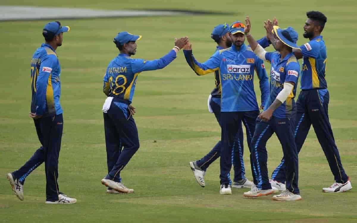 Cricket Image for अरविंदा डी सिल्वा श्रीलंकाई खिलाड़ियों पर भड़के, कहा-करार की शिकायत न करें,जीतना श