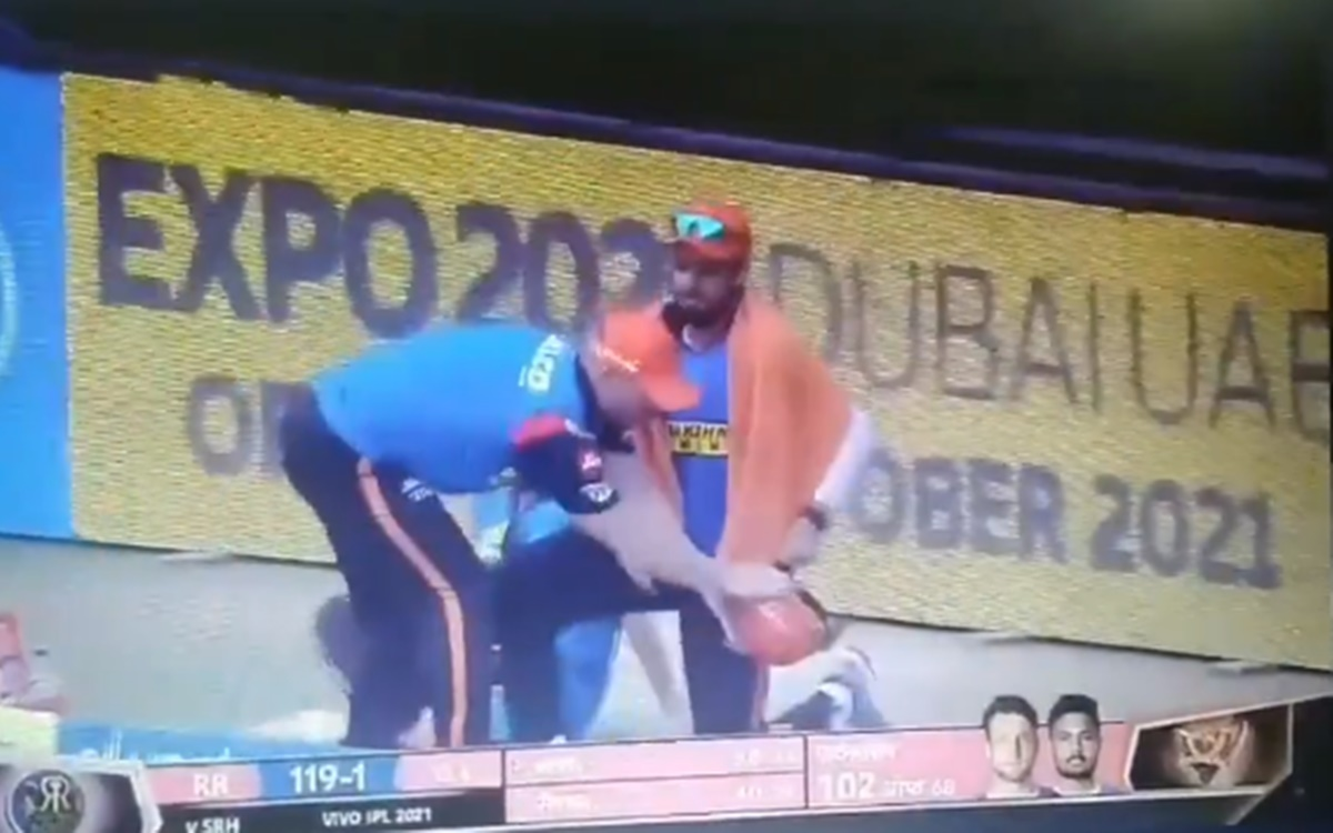 Cricket Image for Ipl 2021 David Warner Emotional Moments During Rr Vs Srh Match