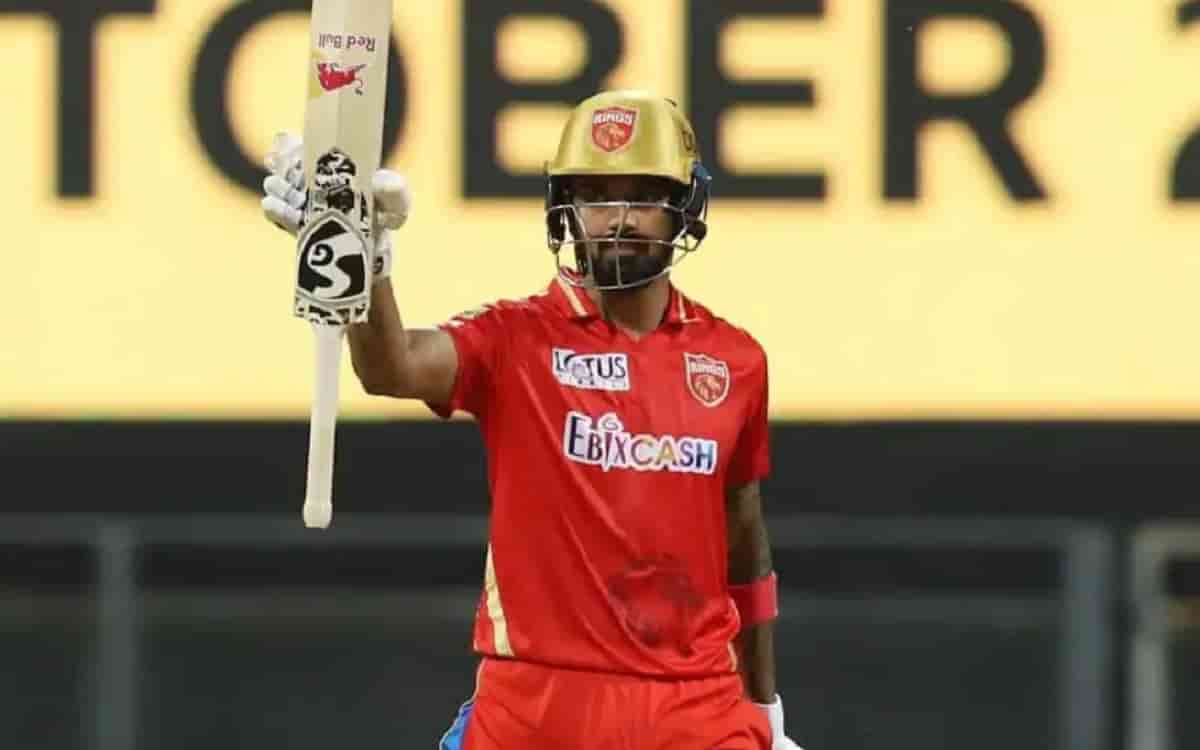 KL Rahul takes Orange cap from Dhawan, Purple stays with Harshal